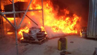Teenager legen Brand auf Baustellenareal in Hallwil