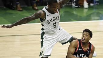 Eric Bledsoe von den Milwaukee Bucks feiert mit seinem Team einen Auftaktsieg zum Auftakt der NBA-Playoff-Halbfinals gegen die Toronto Raptors