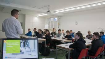 Einführungstag der Lernenden im Ausbildungszentrum von Swissmechanic in Gerlafingen