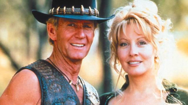 Paul Hogan (l.) als Crocodile Dundee (Archiv)
