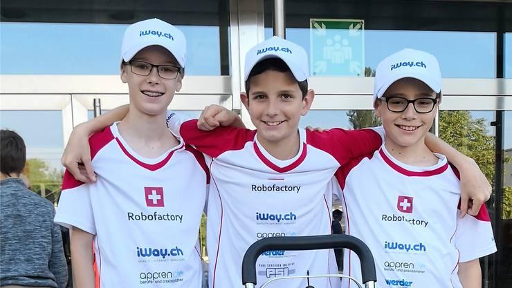 Das «Robofactory»-Team mit (v. l.): Mika Schlup, Jesse Born und Julian Von Hof. zvg