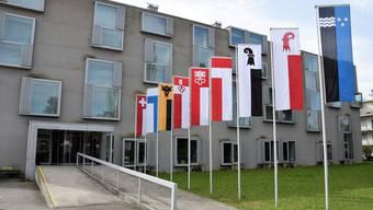 Die Armee verlegt das Rekrutierungszentrum nach Aarau. Das bestehende Gebäude auf dem Kunzareal kann – mit leichten Eingriffen – umgenutzt werden. Das äussere Erscheinungsbild, ist geplant, wird sich nur leicht verändern.
