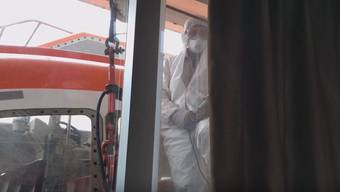 Dieses Video hat Nate Zemanek am Sonntag auf Youtube geladen – die Reederei hat sofort reagiert.