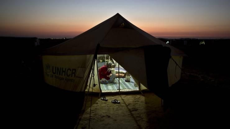 Der Bund will die Globalpauschale für die Integration besonders verletzlicher Flüchtlinge sieben Jahre lang auszahlen. Den Kantonen reicht das Geld aber nicht. (Symbolbild)