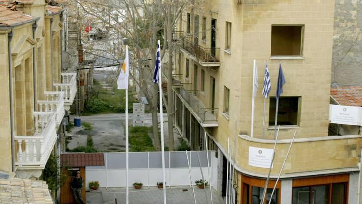Kein Ende der zyprischen Teilung in Sicht: Die Chefs beider Länder konnten sich nicht auf die Aufnahme von Gesprächen einigen.