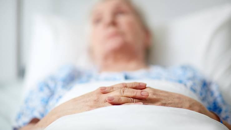 """Ist Sterbefasten die sanfte Art zu sterben? """"Wir wissen noch viel zu wenig darüber"""", sagt der Pflegewissenschafter André Fringer."""