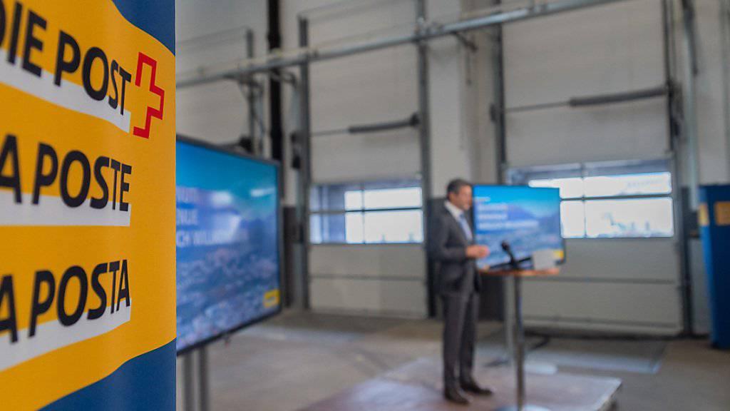 Roberto Cirillo, CEO der Schweizerischen Post, präsentierte am Donnerstag in Cadenazzo im Tessin Ansätze der neuen Strategie für den Konzern. (KEYSTONE/Ti-Press/Elia Bianchi)