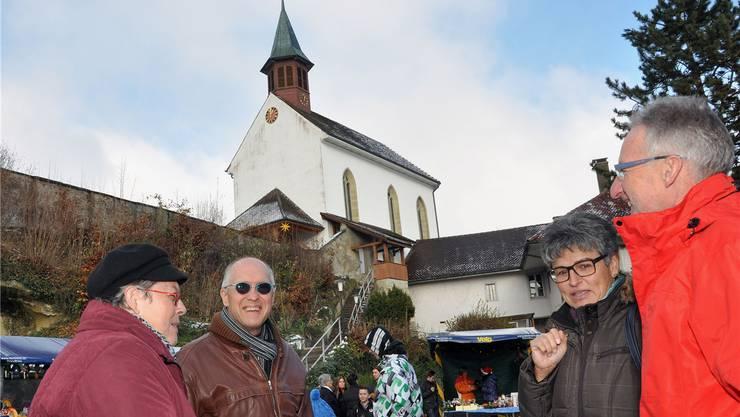 Auf dem Uerkner Wöschhüsliplatz fand der 1. Weihnachtsmärt statt.