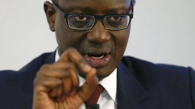 Tidjane Thiam erklärt am 21. Oktober 2015 die neue Strategie der Bank. Die Umsetzung verläuft schwierig. Foto: Reuters