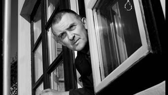 Bragi Ólafsson liest an den Zofinger Literaturtagen. Der Isländer ist bekannt als Bassist der Band «Sugarcubes» rund um die Sängerin Björk.
