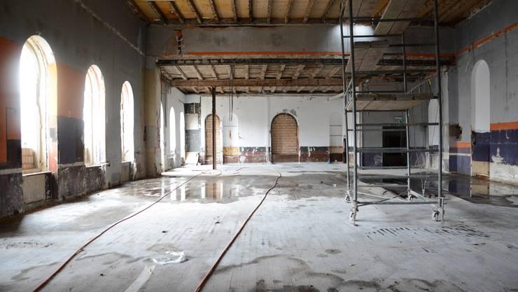 Im Oktober noch Tanzsaal, heute Baustelle: der Zwischentrakt der Liegenschaft Kettenbrücke.