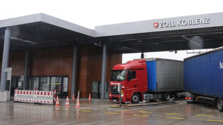 Der LKW-Fahrer hatte eine Alkoholfahne, als er beim Schweizer Zoll vorsprach.
