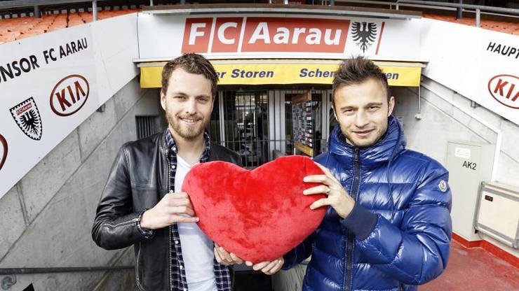 Zverotic (rechts) ist mit Leib und Seele beim FC Aarau und war lange mit Oli Jäckle das Herz der Mannschaft - wie lange noch?