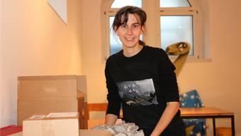 Museumsleiterin Andrea Oettl bereitet die Exponate für die 46. Internationalen Mineralientage in Basel vor. Yvonne Zollinger