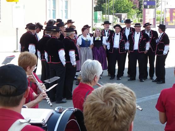 Die Stadtmusik Laufenburg spielte zum Empfang des Jodlerklubs Laufenburg-Rheinfelden.