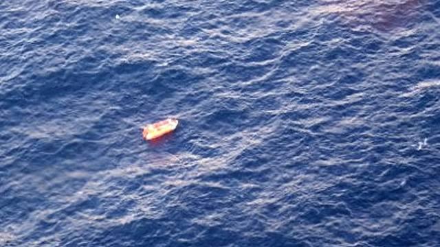 Ein übrig gebliebenes Rettungsboot