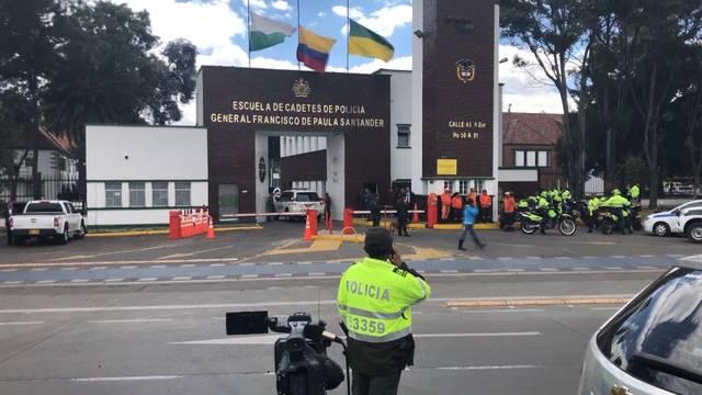Autobombe reisst 21 Menschen in den Tod