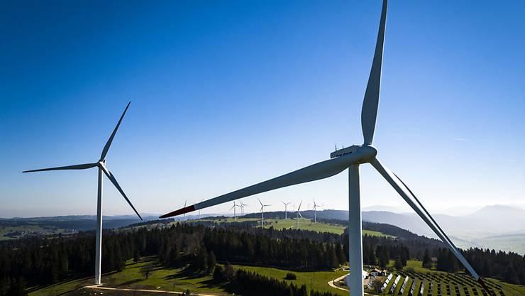 Die ungenügende Kampagne der Gegner und Doris Leuthard stehen im Fokus der Schweizer Zeitungsmacher, die das Ergebnis der Abstimmung zur Energiestrategie einordnen. (Archivbild)