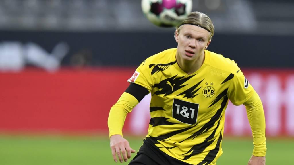 Wie lange hat der norwegische Jungstar Erling Haaland wohl noch den Ball für Dortmund im Visier?