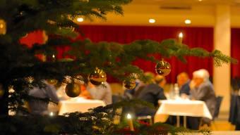 An Weihnachten gemeinsam essen ist in diesem Jahr unmöglich. Viele Schweizer Firmen bieten dafür eine Zusammenkunft via Videocall an.