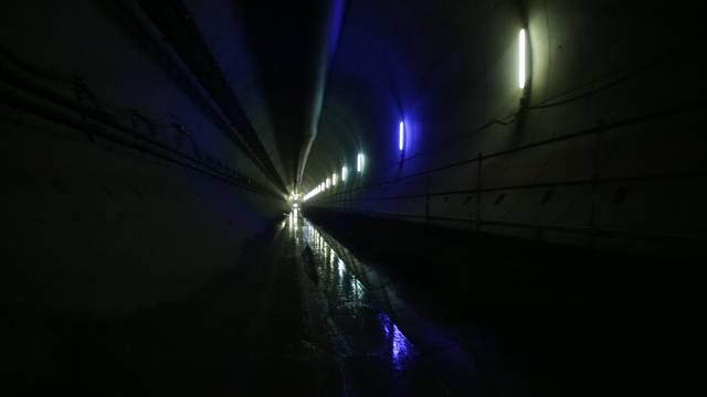 Baustellen-Begehung: Im neuen Bözbergtunnel