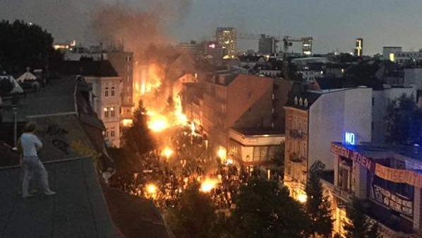 Schanzenviertel in Hamburg gleicht Schlachtfeld