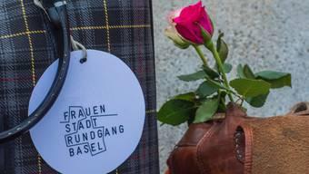 Seit fast 30 Jahren erarbeiten Studentinnen und Wissenschaftlerinnen der Uni Basel unkonventionelle Stadtspaziergänge.