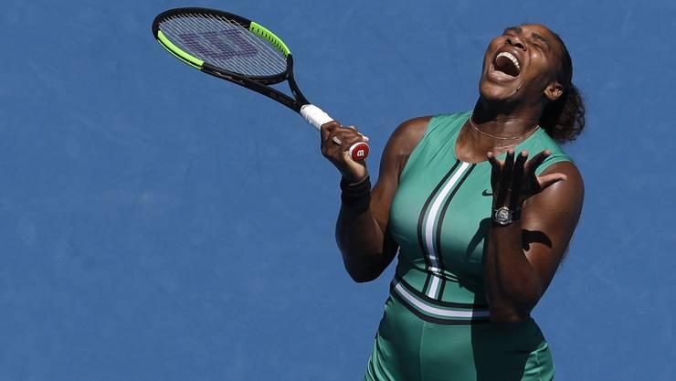 Serena Williams kann es selbst kaum glauben: Sie gibt gegen die Tschechin Karolina Pliskova einen sicher geglaubten Sieg noch aus der Hand.