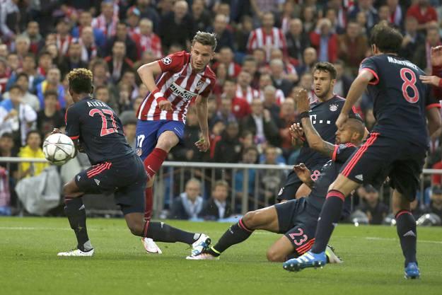 Saul Niguez schiesst das einzige Tor des Spiels nach elf Minuten.