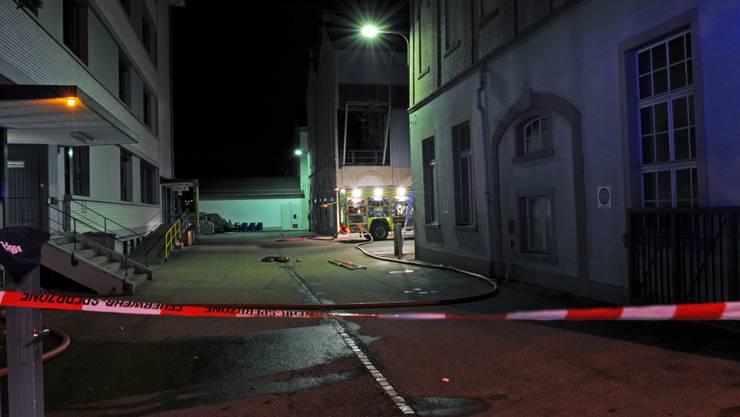 Am Dienstagabend kurz vor 21 Uhr hat sich eine Explosion in einem Fabrikgebäude der CU Chemie AG in Uetikon am See ereignet.