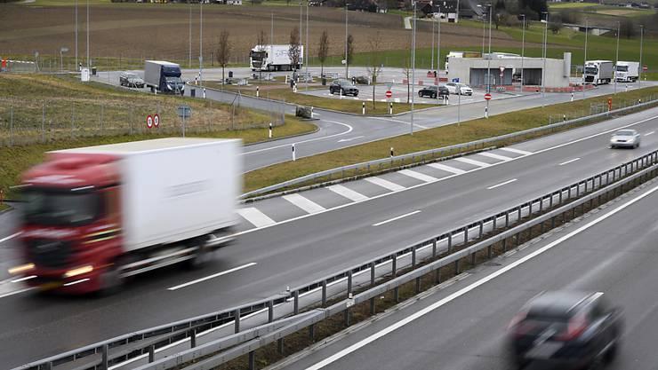 Der geplante Transitplatz an der Autobahn Bern-Murten bei Wileroltigen.