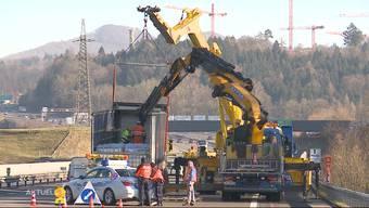 LKW versperrte die A1 – deshalb dauerte die Bergung so lange. Der Beitrag von «TeleM1»