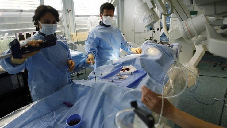 Kontakt mit Patienten: Müssen Ärzte in der Schweiz deutsch, italienisch oder französisch sprechen?