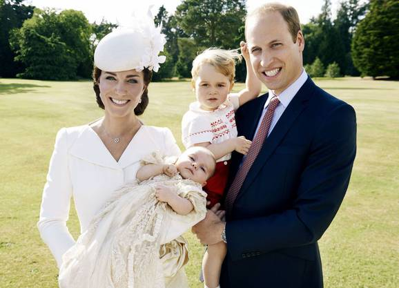Catherine, Duchess of Cambridge, Prinzessin Charlotte, Prinz George und Prinz William, Duke of Camebridge.