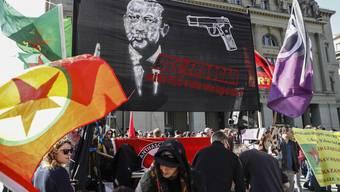 Anti-Erdogan-Kundgebung auf dem Berner Bundesplatz