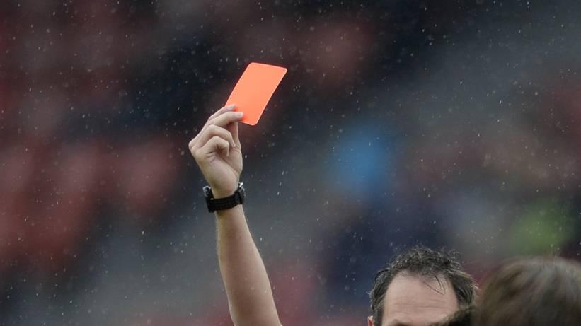 Jetzt spricht der beklaute Schiedsrichter