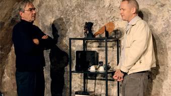 2015 führte Peter Niklaus Steiner (r.) im Laxdal-Theater Regie bei «Ein Deal à la Hitchcock». Kommt es nun zu einem realen Deal?