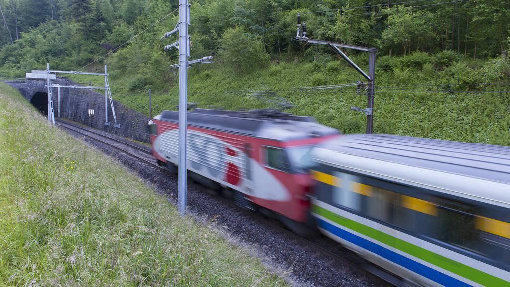 Die Zugstrecke wird zwischen Brunnadern und Herisau unterbrochen.