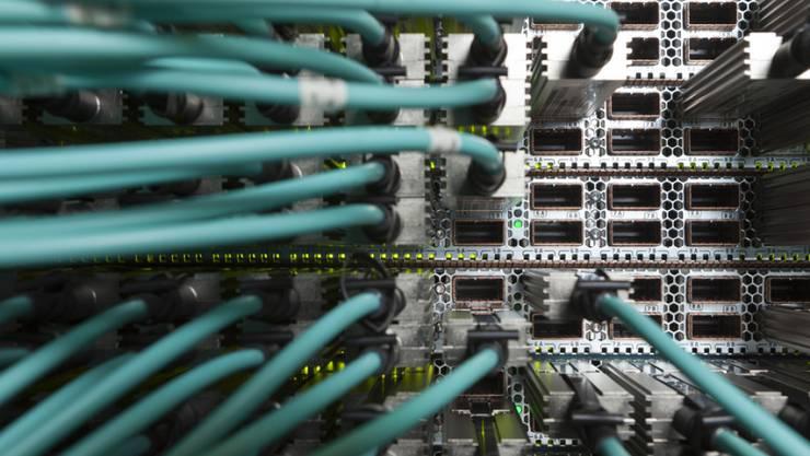Cyberattacken gegen Firmen: Am häufigsten wenden die Kriminelle Schadsoftware, Phishing-Mails und das so genannte Social Engineering an.