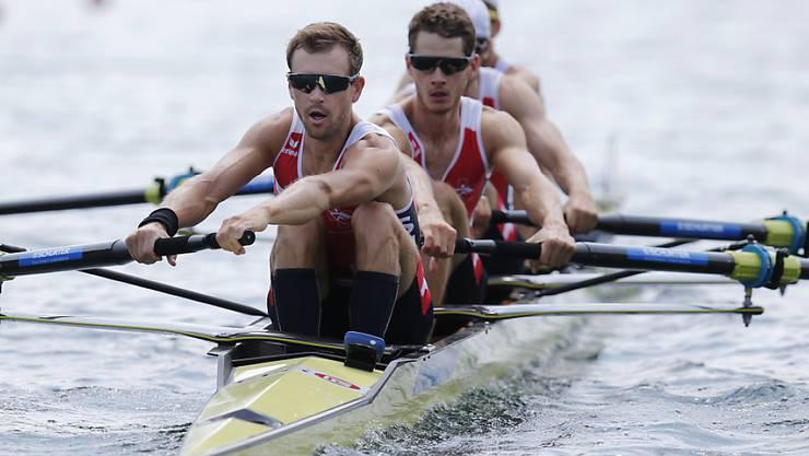 Simon Niepmann, Lucas Tramèr, Mario Gyr und Simon Schürch (von vorne) ruderten auf dem Rotsee souverän in den Final
