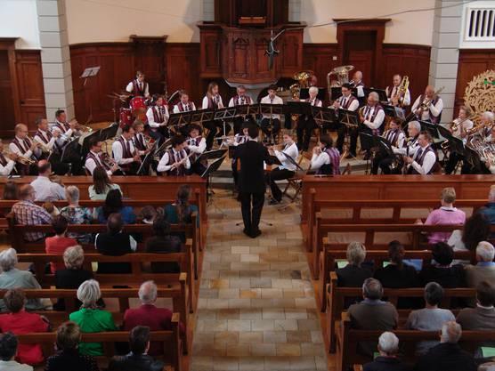 Blick von der Empore aufs ganze Orchester des Musikvereins Harmonie Birmensdorf