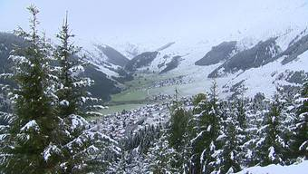 Es schneielet, es beielet, es gaht en chüele Wind...
