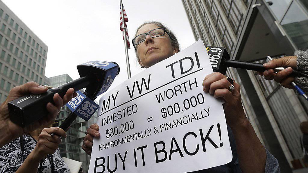 Der VW-Skandal zieht weite Kreise: In den USA protestieren VW-Besitzer, in Deutschland leiden ganze Dörfer. (Symbolbild).