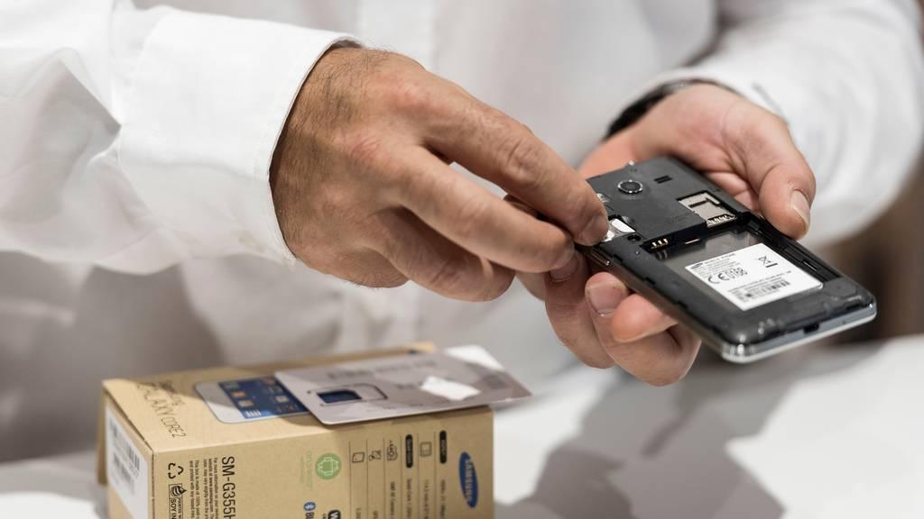 Unter der Marke «jusit» will Mobilezone gebrauchte Handys wieder in den Gerätekreislauf zurückgegeben. (Symbolbild)