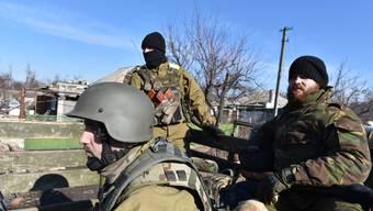Reportage von der Frontlinie am Donezker Flughafen