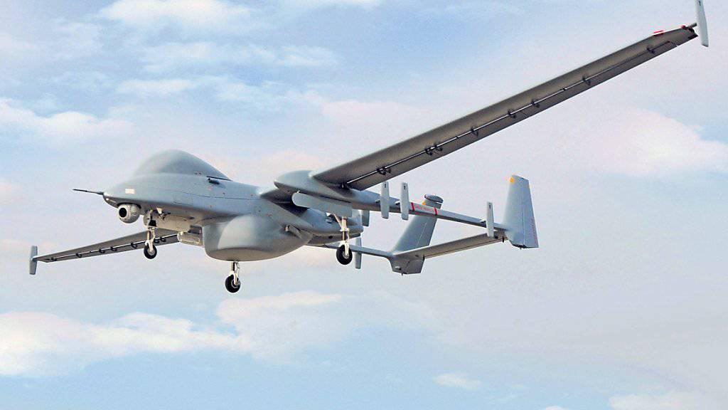 Eine israelische Heron-Drohne (Archiv)