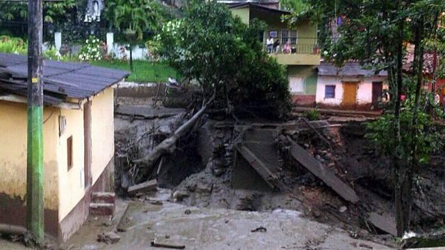 Ein Bild aus Salgar zeigt Folgen des Erdrutsches