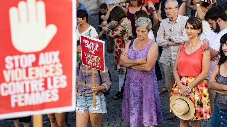 Nach dem brutalen Angriff in Genf kam es in der ganzen Schweiz zu Demonstrationen gegen Gewalt an Frauen, hier in Lausanne. (Archivbild)