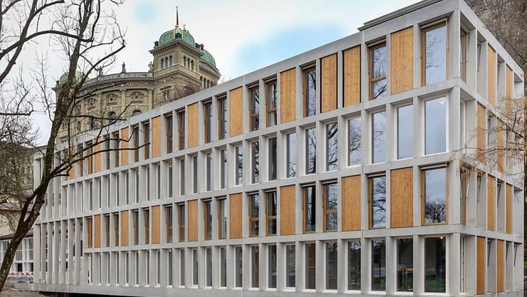 Die denkmalgeschützte Jugendherberge in Bern ist modernisiert und mit einem freistehenden Neubau ergänzt worden.