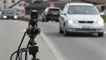 In Böttstein und Koblenz gingen der Polizei innert einer Stunde 30 Verkehrssünder ins Netz. (Symbolbild)